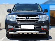 Решетка в бампер d-16  Toyota Land Cruiser 200 2007-2011